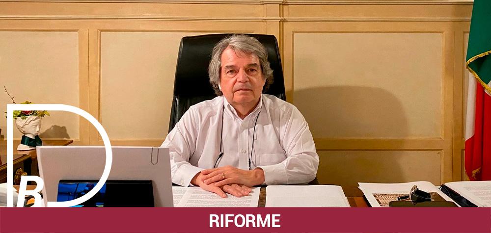 BASTA SMART WORKING ALL'ITALIANA, LARGO AL VERO LAVORO AGILE
